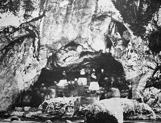 Lourdes-Massabielle-em-1858